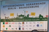 Banner des Aktionsbündnisses mit den Logos der beteiligten Organisationen und den Unterschriften der Vertreter